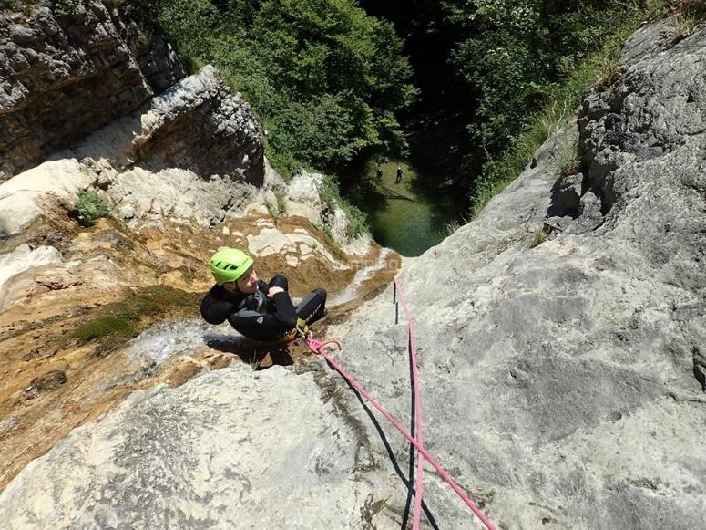 Canyoning dans les gorges