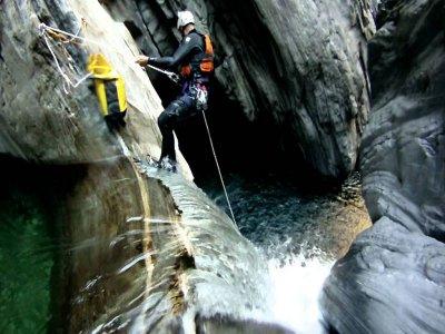 Pacchetto Canyoning+Rafting+Pernotto+2pasti  Laino