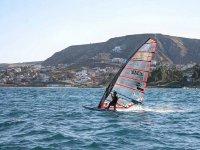 in acqua with il windsurfing