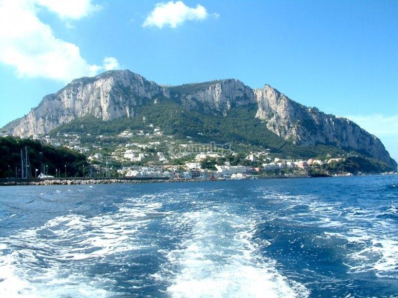 Salpando da Capri