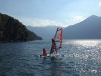 Sull'acqua con il windsurf