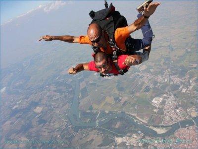 Lancio paracadute video (weekend), Monferrato