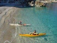 Dans l'eau bleue