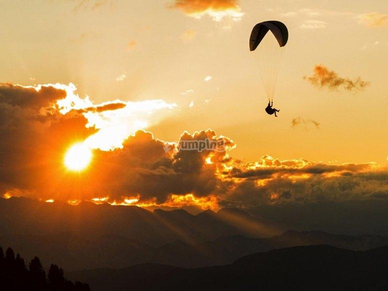tramonto in parapendio