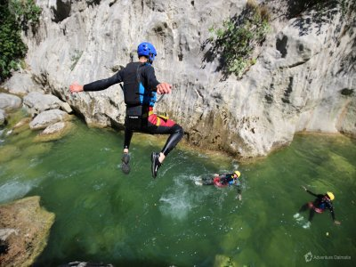 Scuola di Alpinismo e Sci Alpinismo Val di Sole Canyoning