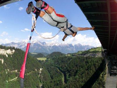 Bungee Jumping da 192m a Europabrucke (Austria)