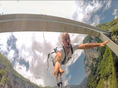 Bungee Jumping da 192m a Europabrucke + video