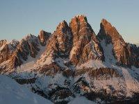 Le meravigliose Dolomiti innevate