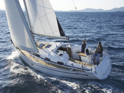 Noleggia barca a vela e skipper per una settimana