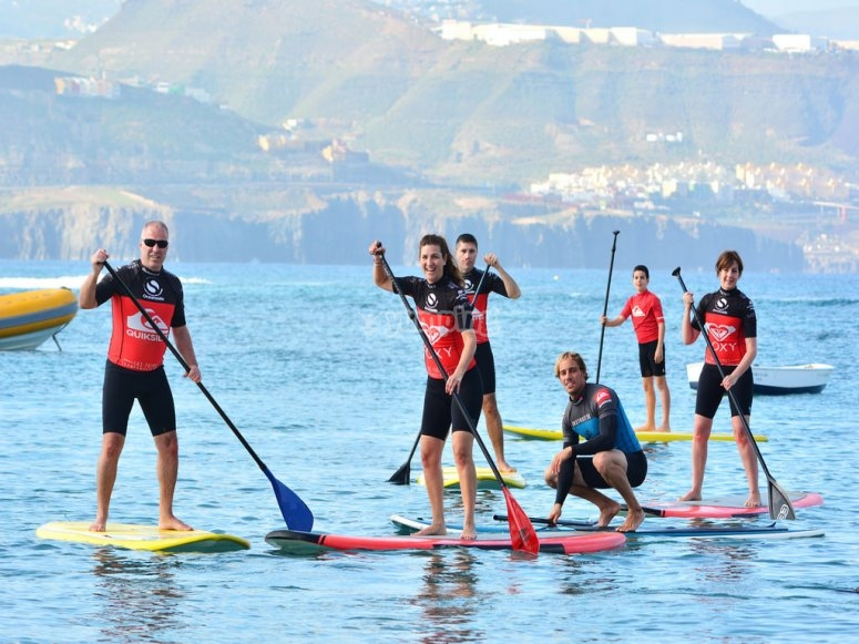 facendo paddle surf