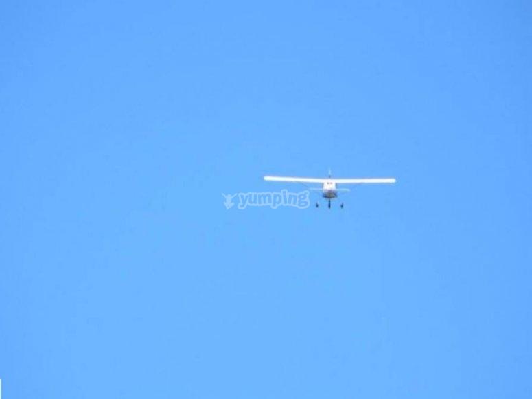 nel cielo azzurro della Puglia