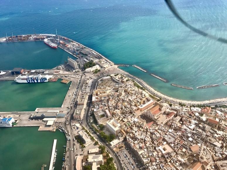la vista di Bari dall'alto