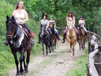 In fila indiana sul sentiero
