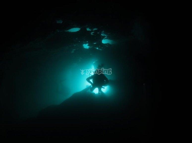 nelle oscurita dei fondali