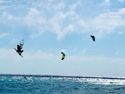 Windsurfing lesson in Baia Verde 1 hour