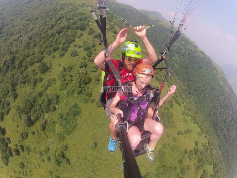 come and discover paragliding
