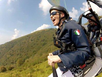 Paragliding flight in tamden to Suello with video