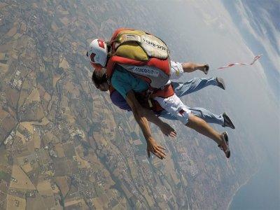 Lancio paracadute in tandem, Recanati