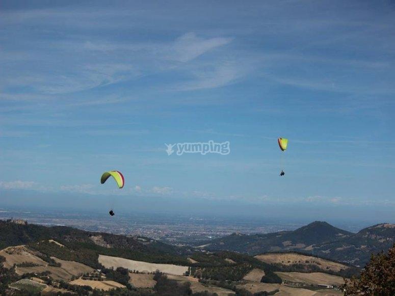 Volando tra le colline