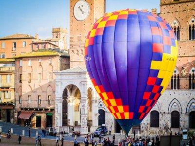 Volo in mongolfiera condiviso a Siena di 45 minuti