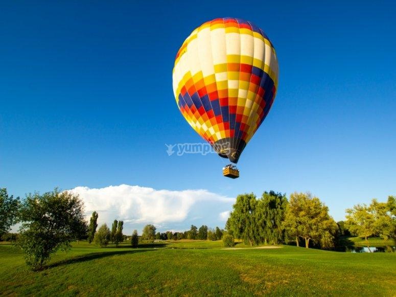 Vola con noi tra i paesaggi più belli
