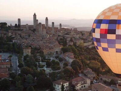 Volo esclusivo in mongolfiera San Gimignano 45 min