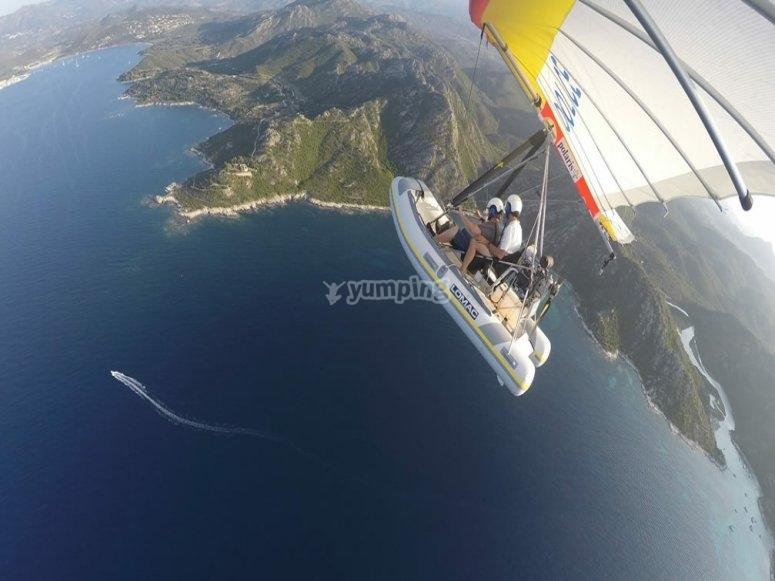 deltaplano+gommone= gommone volante