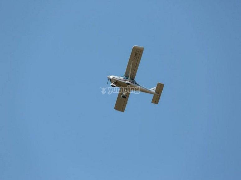 Nostri aerei in volo