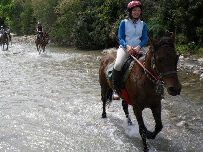 Trekking a cavallo alle Gole di Tiberio (8h)