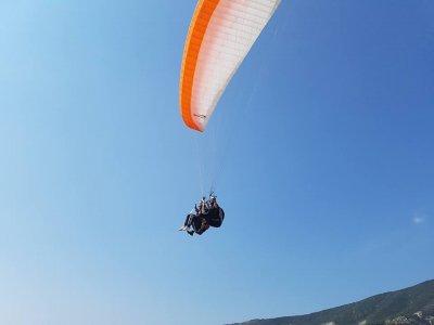 5 voli parapendio biposto(20 min a volo) ,Sanremo