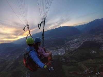 Volo in Parapendio con foto e video a Falzes1ora30