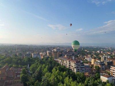 Tour in mongolfiera per 2 di un'ora vicino Roma