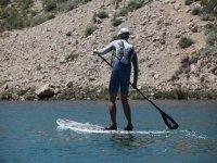 Paddle surf