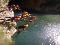 Saltare in Bacini Profondi