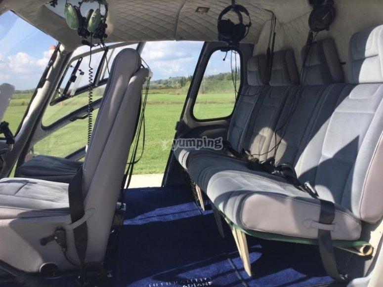 Vieni a scoprire l'interno dei nostri elicotteri