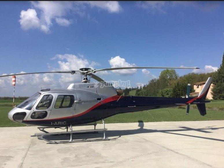 I nostri elicotteri ti accompagneranno in una fantastica avventura