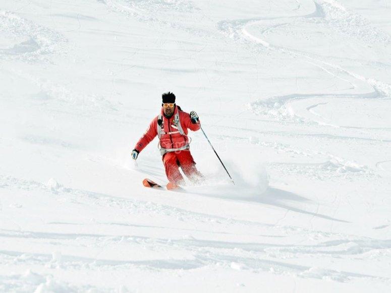 lo sci alpino regala emozioni uniche, vieni a provarlo