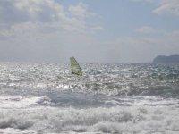 Surfando tra le onde