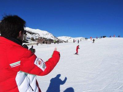 Alpine skiing lesson (1day-low season), Sestrier