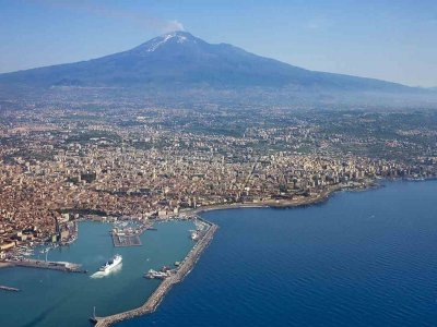 Volo aereo su Catania Etna e Taormina di 20 minuti