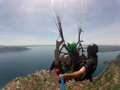 Volo parapendio video+foto (20/30), Lago di Garda