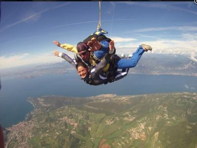 Lancio paracadute tandem con video 1 ora a Verona