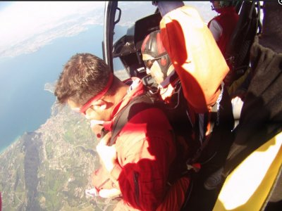 Lancio paracadute tandem video e foto 1 ora Verona