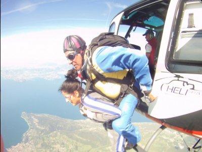 Lancio in paracadute da elicottero a Verona 1 ora