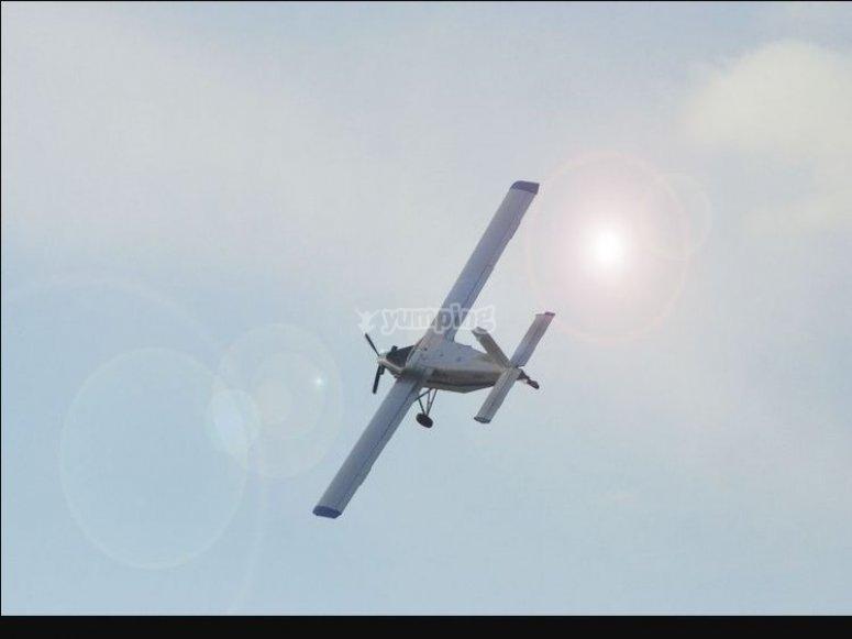 ecco l'aereo che ti porterá all'altezza di 4000 metri