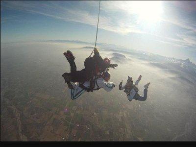 Lancio paracadute tandem foto e video 1 ora Torino