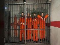 pensando come uscire dalla prigione