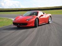 Tutta la potenza della Ferrari 458 Italia