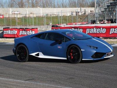 1 giro in Lamborghini Avio ad Adria