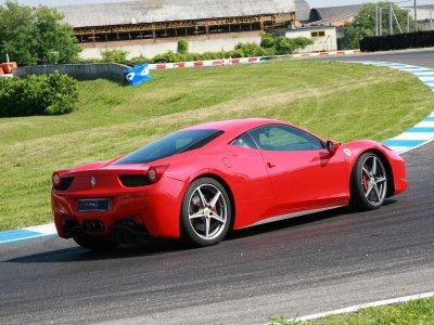 1 giro con una Ferrari 458 ad Adria